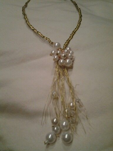 Wire pearl necklece