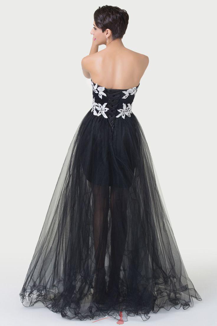 Černé večerní šaty s bílými květy