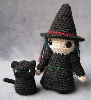 Witch and pussycat crochet (free pattern)