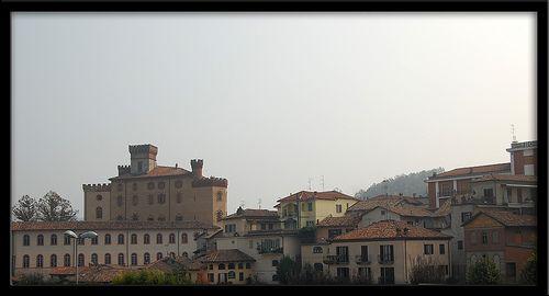 castello di Barolo Cuneo Piemonte    #TuscanyAgriturismoGiratola