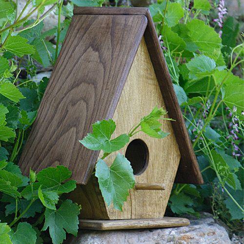 Casita de pájaros Birdhouse por Casolla en Etsy, €60.00.