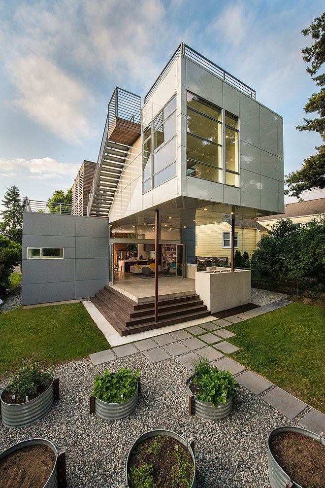 This modern two-storey #house designed in 2011 by Stephenson Design Collective is located in #Seattle, Washington, United States.