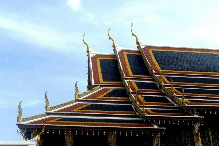 Grand palace roof, Bangkok Thailand #travels #bangkok #thailand #architecture #madzworld