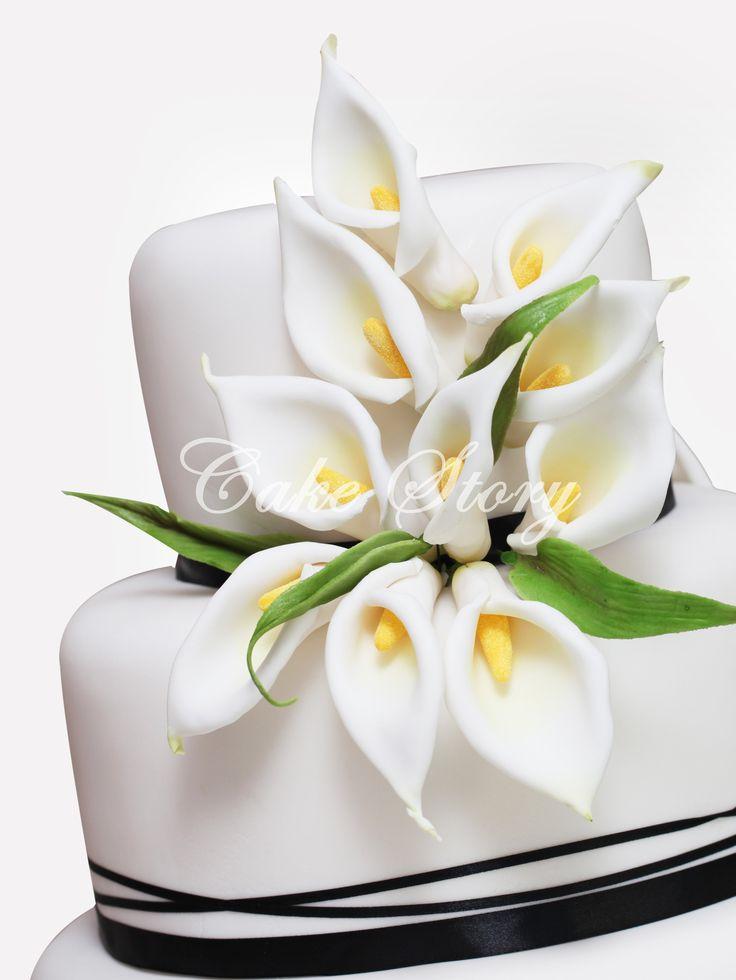 Calla lilly wedding cake