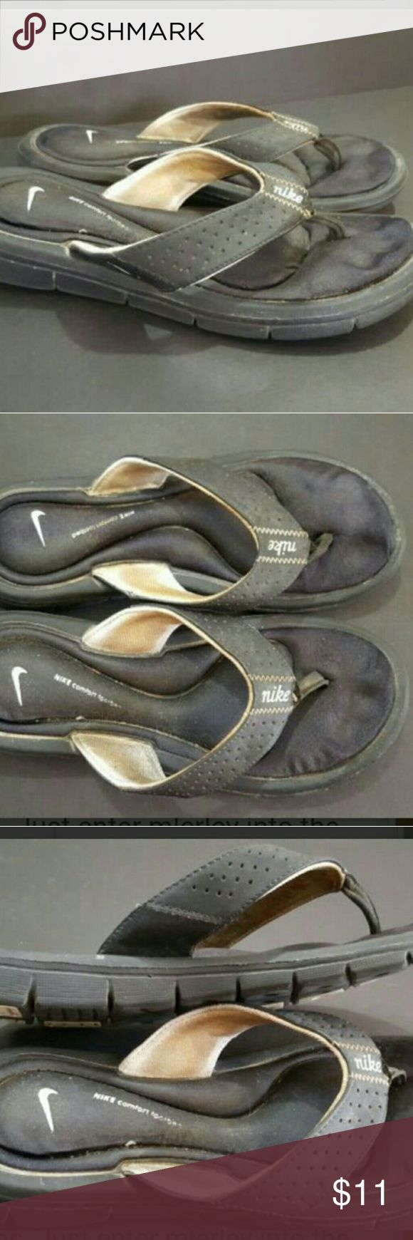 NIKE WOMEN'S SIZE 6 FLIP FLOP SANDALS GUC NIKE WOMEN'S SIZE 6 FLIP FLOP SANDALS GUC  These are a good condition pair of flip flops from NIKE! They are a women's size 6. With a cleaning these could be GREAT condition!? Nike Shoes Sandals