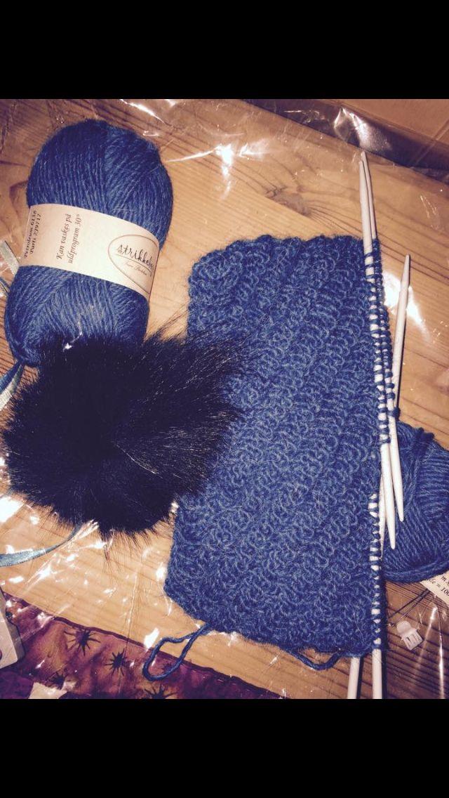 Mary hue - mit første strikketøj i flere år - Julen 2014