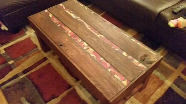 Diy Pallet Wood Coffee Table With Tiled Glass Inlay