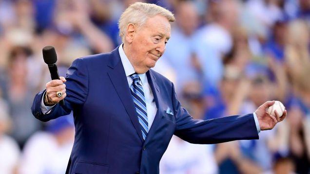 Los Jubilados Hombre Blanco Tiene la Opinión que Usted Esperaría En Himno Nacional Manifestaciones