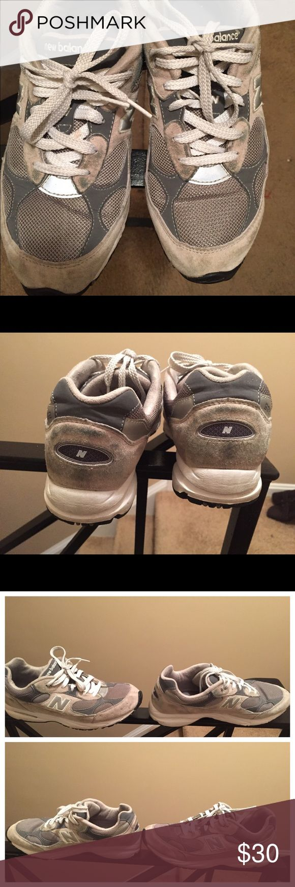 992 New Balance Sneakers size 7y (9 in women's). 992 New Balance Sneakers