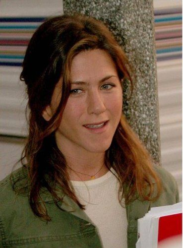 Jennifer Aniston without makeup 2
