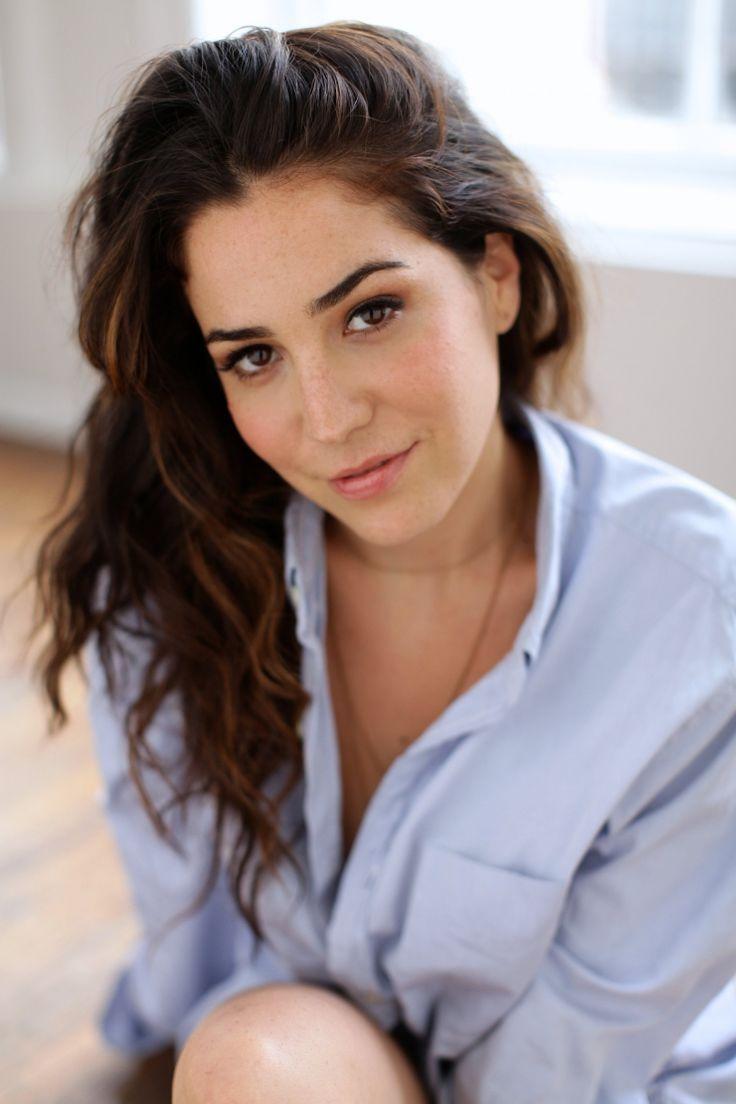Audrey Esparza | Atrizes, Fotos com fundo preto, Atrizes