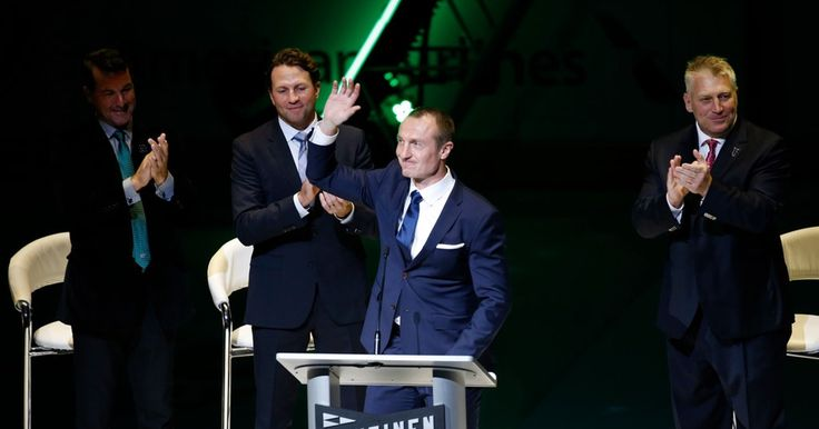 As Jere Lehtinen stood and watched his No. 26 raised to the rafters at American Airlines Center Friday - just the fifth number retired by the Stars.