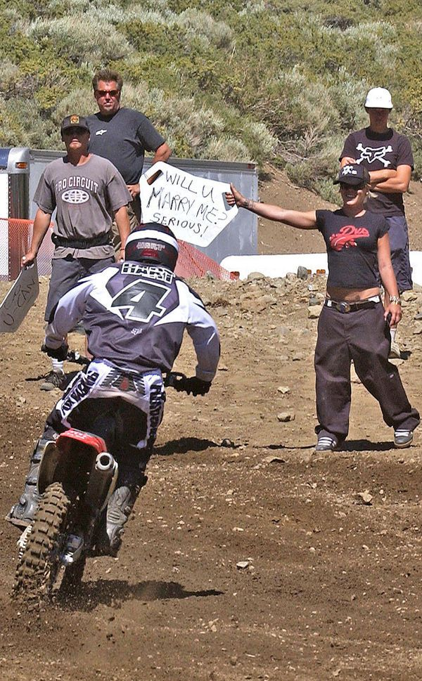 Carey Hart getting a marriage proposal