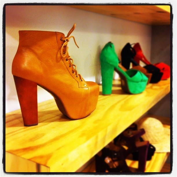 Hot foot fashion at #bondi #beach