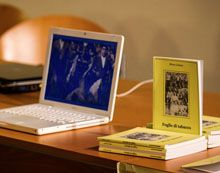 Tra le pagine di questo libro, si stagliano i paesaggi freddi e impervi del Canal di Brenta, una vallata stretta e angusta situata tra i monti della Valsugana, poco più in là dell'Altopiano di Asiago e il massiccio del Grappa...