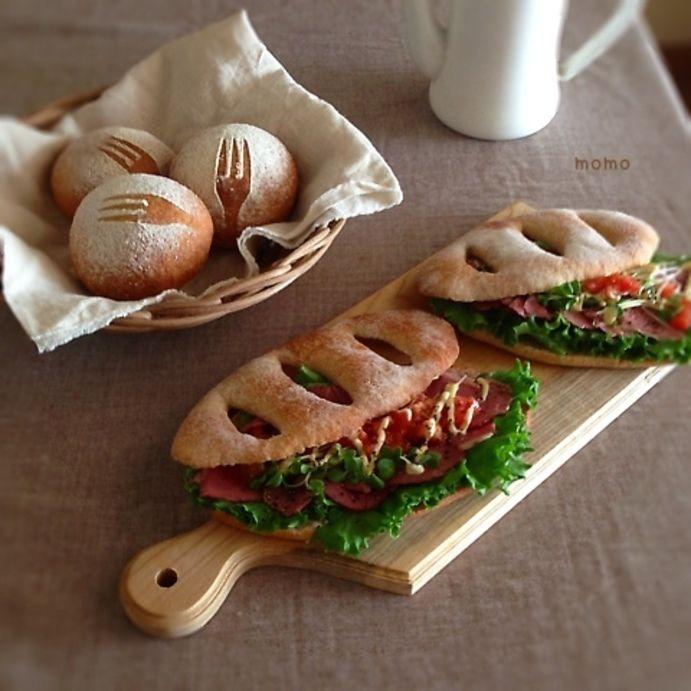 全粒粉パンのサンドイッチ