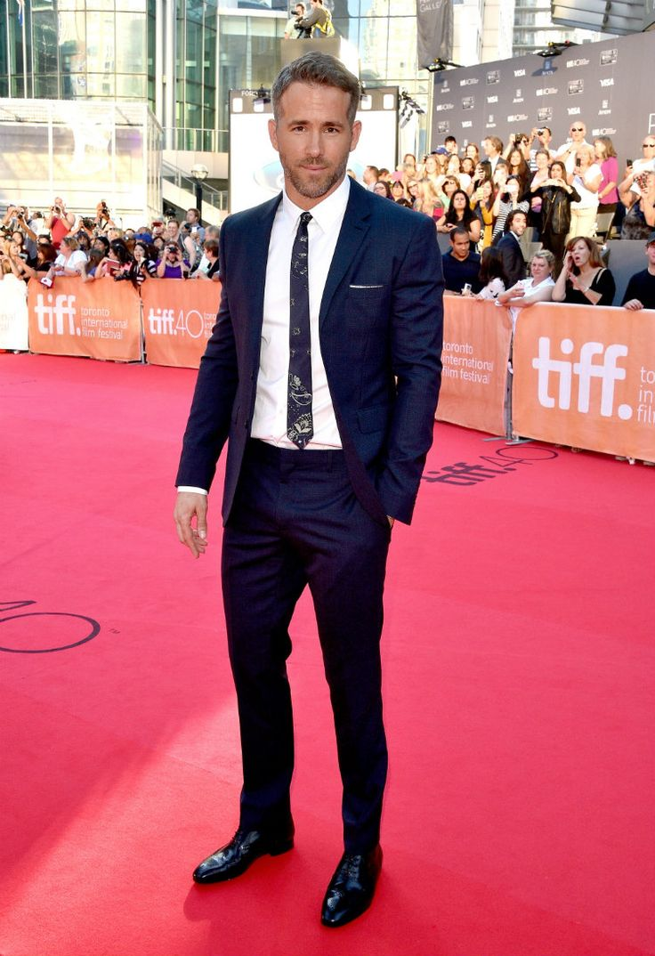 Ryan Reynolds in Burberry Tailoring at the 2015 Toronto International Film Festival