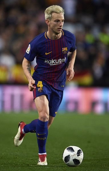 Ivan Rakitic of Barcelona runs with the ball during the Copa de Rey semi-final second leg match between Valencia and Barcelona on February 8, 2018 in Valencia, Spain.