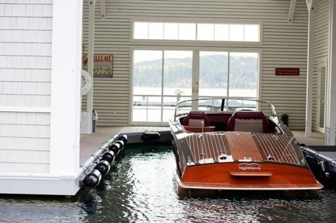 Lovely. I just wanna hang out in the boat house, on the boat...with a glass of wine :)