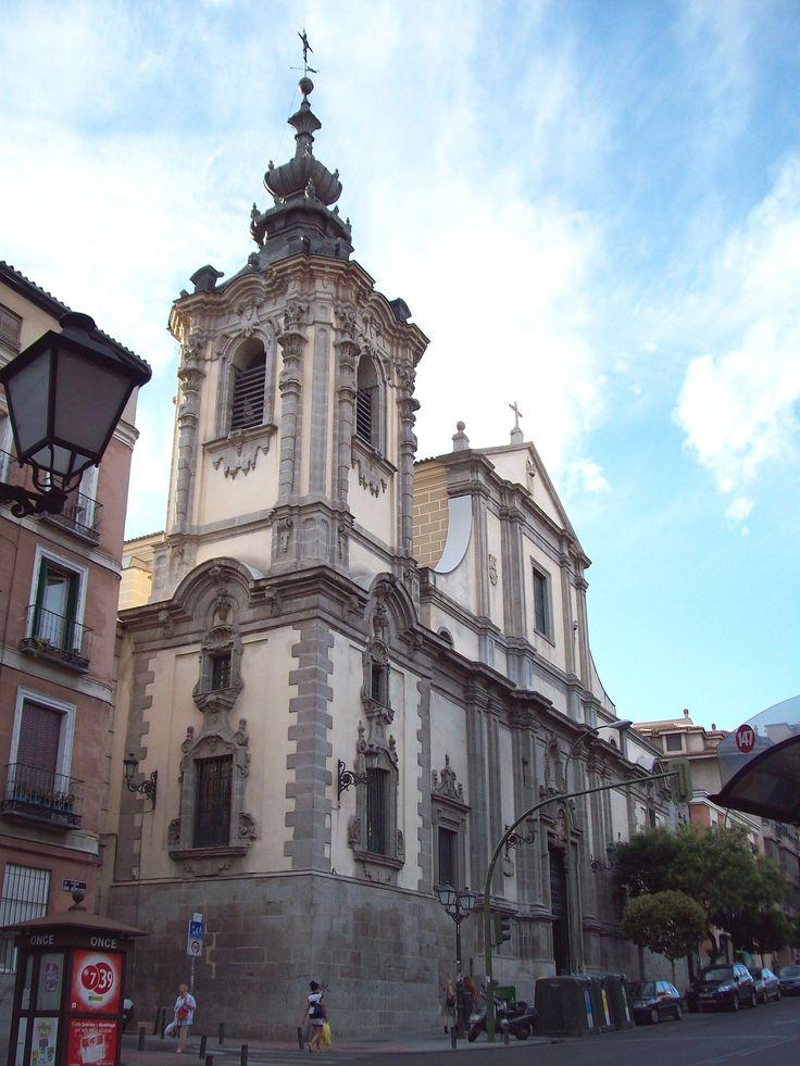 La Iglesia de Nuestra Señora de Montserrat, Madrid, España, de Pedro de Ribera (1681-1742) (estilo barroco español)