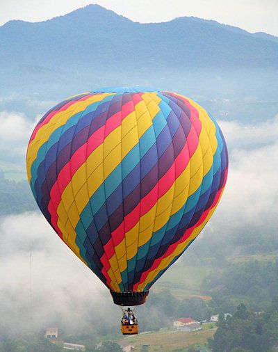 273 best images about HOT AIR BALLOONS on Pinterest   Hot air ...