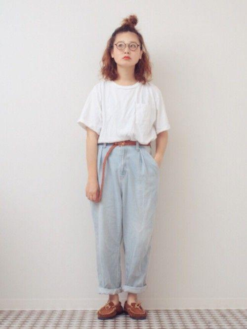 #きれいめカジュアル #なんちゃって #薄色デニム #白Tシャツ #モカシン