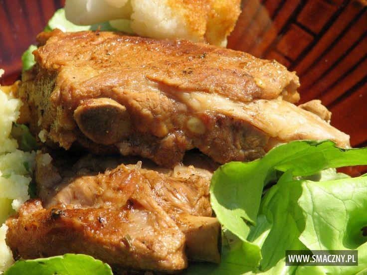 Co by tu dzisiaj zrobić na #obiad?? Może soczyste #żeberka?? Pyszne są i proste! Polecam:  http://www.smaczny.pl/przepis,soczyste_zeberka_wieprzowe  #przepisy #daniagłówne #mięso #wieprzowina #cebula #liścielaurowe #sól #vegeta