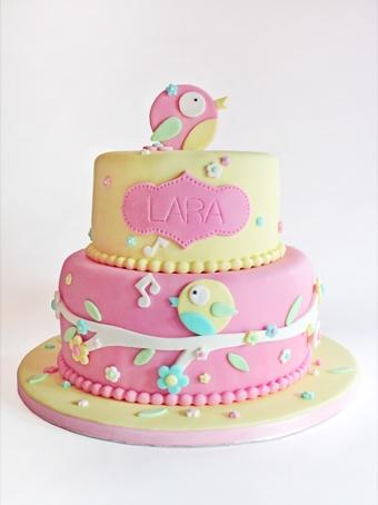 sabores da gula tarta rosa y amarilla con pajaritos