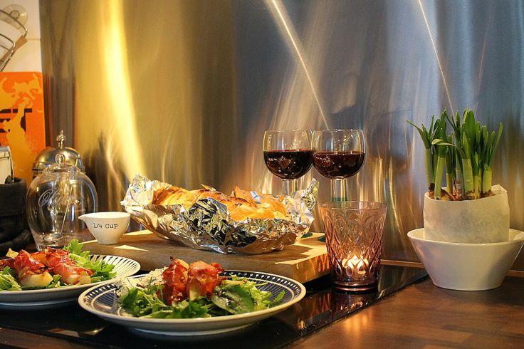 At Maria's: Lauantai-illan safkaa // Grillattua valkosipulileipää ja ylihyvää salaattia