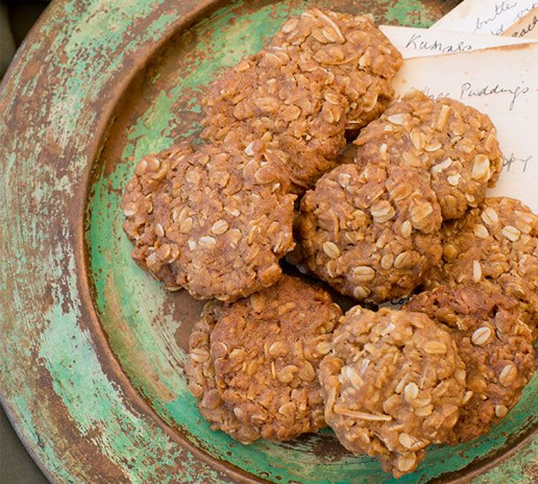 #RecipeOfTheWeek #AnzacBiscuits I'm guessing there'll be a few people looking for this recipe in the next couple of weeks! You'll find it here http://www.annabel-langbein.com/recipes/annabels-anzac-biscuits/1990/