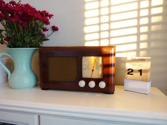1947 Defiant MSH248 vintage radio.  Modified mp3/iPod/Personal DAB amplifier only (FM tuner can be fitted as an optional extra.) £120 or £140 including tuner.