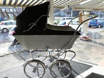 Antieke Kinderwagen Jaren 60