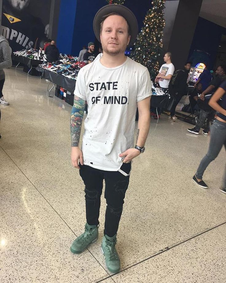 #Repost @sneakfest: Salute to @zmyersofficial for coming thru with Macklemore 6s on!  We're cranking up til 5PM at FedExForum! #SNEAKFEST #zachmyers #shinedown   via Instagram http://ift.tt/2i3iZag  Shinedown Zach Myers