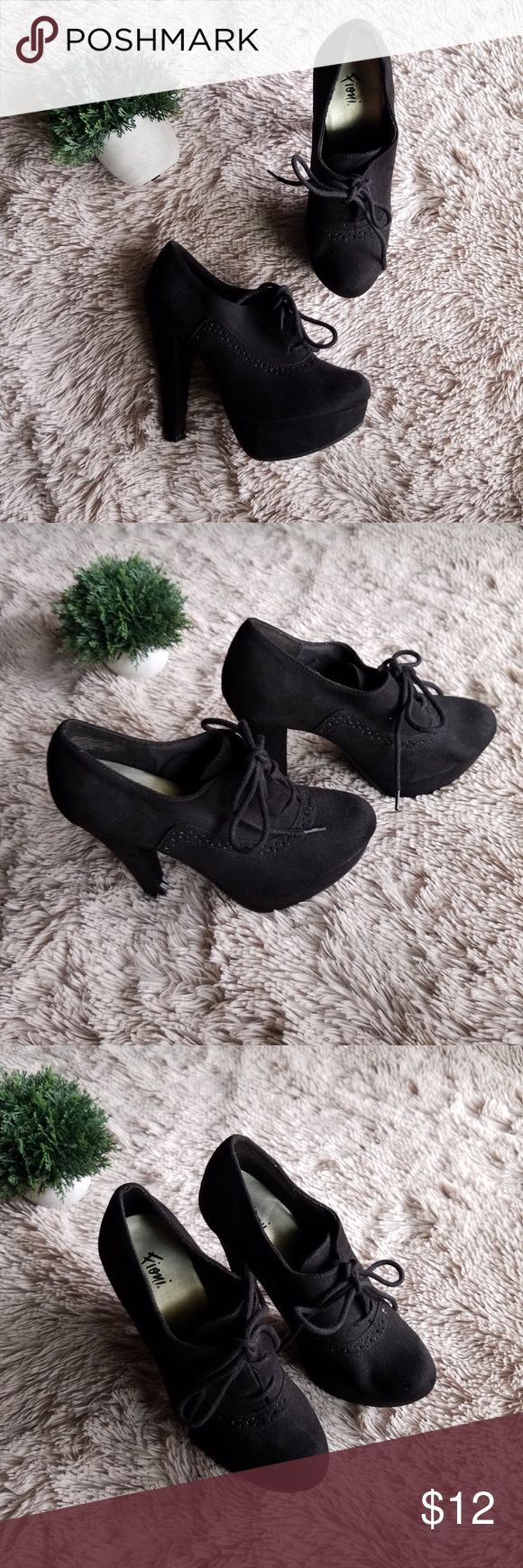 """Sz 6 Black Jetset Platform Oxford Take the classic oxford and bump it up a notch! This features a faux suede upper with traditional oxford detailing, laces for good fit, jersey lining, padded insole, 5"""" heel and sturdy outsole.  Heel: 5"""" Shoes Heels"""