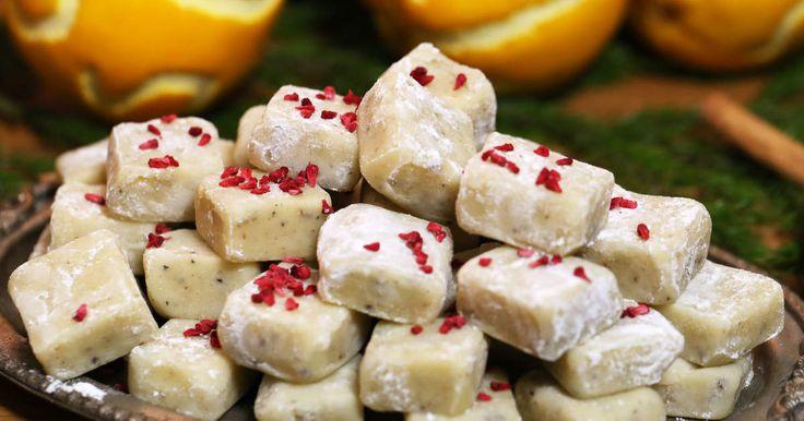 Vaniljdoftande fudge på vit choklad smaksatt med kardemumma.