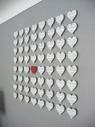 Parede com corações de papel