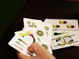 Consulta i tarocchi della zingara il sito offre un servizio di cartomanzia con tarocchi e carte napoletane  http://www.cartomantistudiosibilla.it/