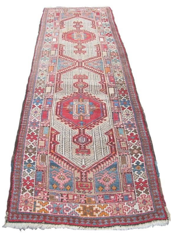 Pin By Decorative Collective On Rugs Carpets Rugs On Carpet Bohemian Rug Rugs