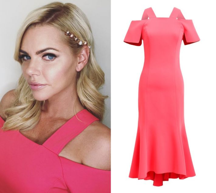 by Kirsty0 Comments Sophie Monk wears this pink cut out shoulder midi dress in this episode of The Project on Sunday the 22nd of October 2017. It is the Ginger & Smart Carmen Dress.