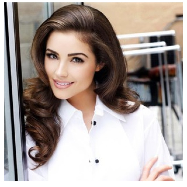 Miss USA 2012 & Miss Universe Olivia Culpo... age 20 from Rhode Island.   Love her hair.. like Princess Kate :)