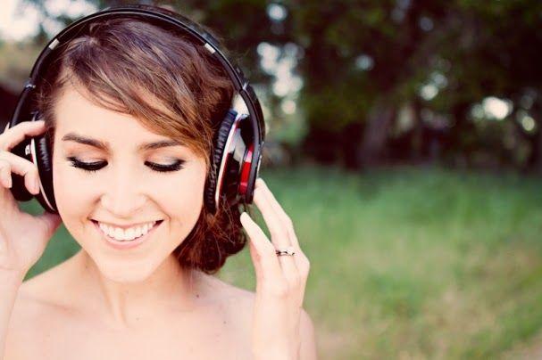 10 manfaat mendengarkan musik bagi kesehatan yang jarang anda ketahui. silahkan simak ulasan berikut..