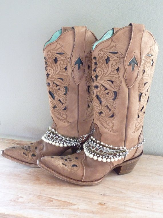 Boot Bling. Boot Bracelet. Cowboy Boot Jewelry. by simplyuboutique