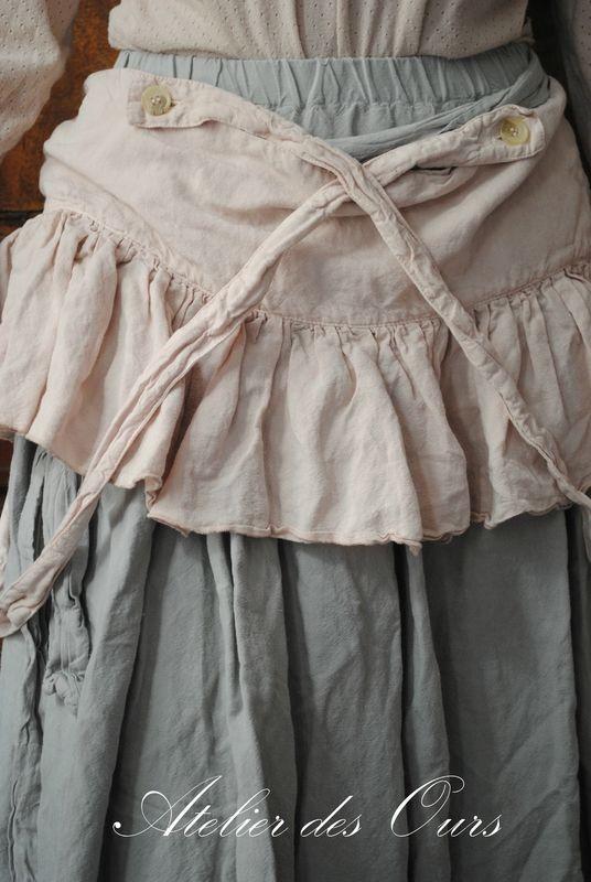 Je recommande la lecture de cet article ~ Sweet. pale pink tiny skirt over long skirt ~…reépinglé par Maurie Daboux.•*´♥*•❥ڿڰۣ—