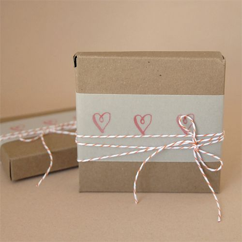 Cute gift wrap #wrapping #presents #packaging #simple #hearts #valentines