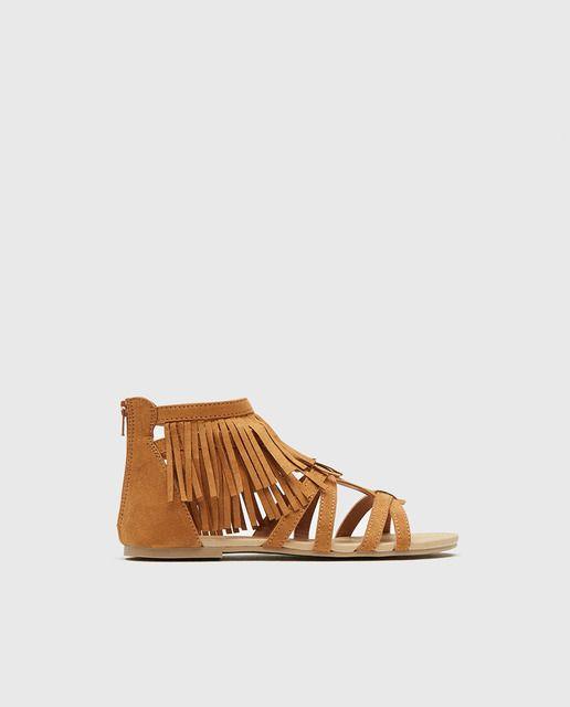Sandalias de niña Sferade color beige con flecos