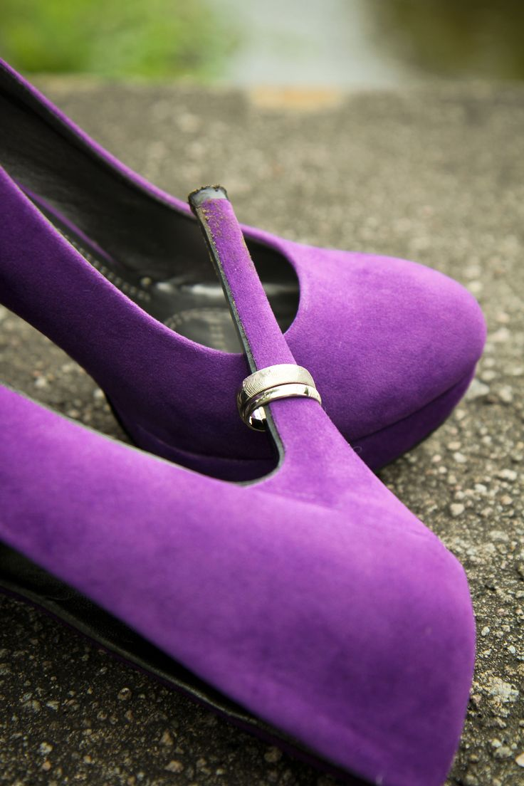 Very original set up to show the bold violet heels and classic #wedding #bands with #fingerprints!