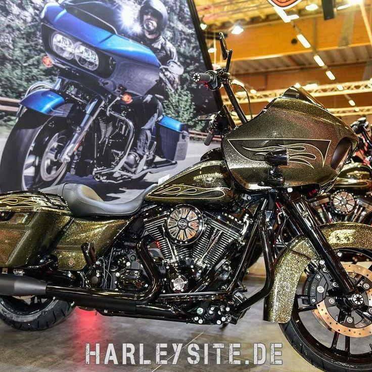 Custombike Show Bad Salzuflen Germany #custombike #custombikeshow #harley ##HD #harleydavidson #badsalzuflen #cbs #sportster #roadglide