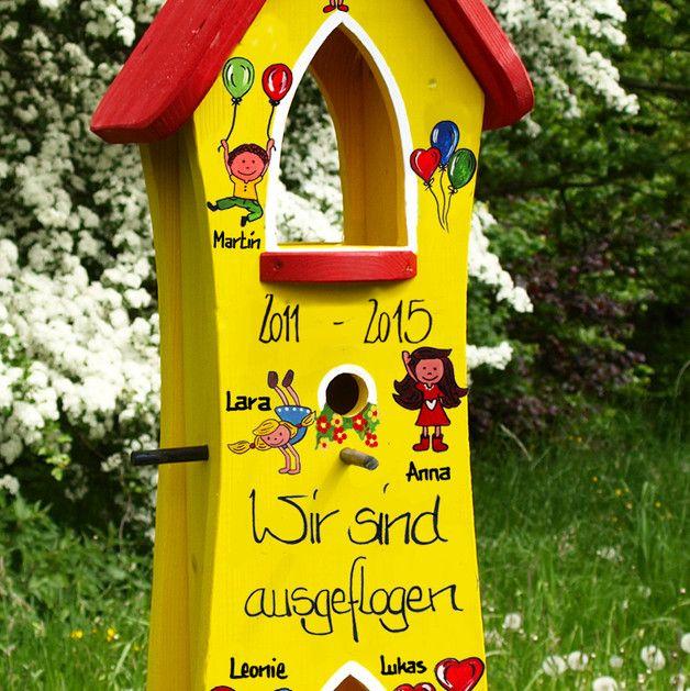 Sie suchen nach einem einzigartigen Abschiedsgeschenk für Ihren Kindergarten? Wir fertigen Ihnen ein individuelles Geschenk mit den Namen der Kinder und der Kindergartengruppe. Abhängig von der...