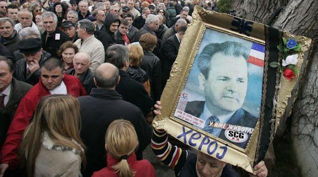 Δεύτερη Μακάβρια Αθώωση του Μιλόσεβιτς   Από το Ανυπόληπτο Δικαστήριο της Χάγης Που δεν του επέτρεψε την εγχείρηση καρδιάς και του χορηγούσε επικίνδυνο φάρμακο.