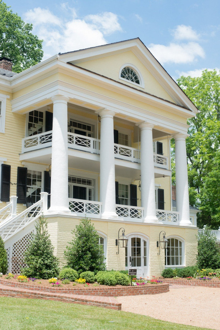 129 best plantation homes images on pinterest gone with for Old southern style homes